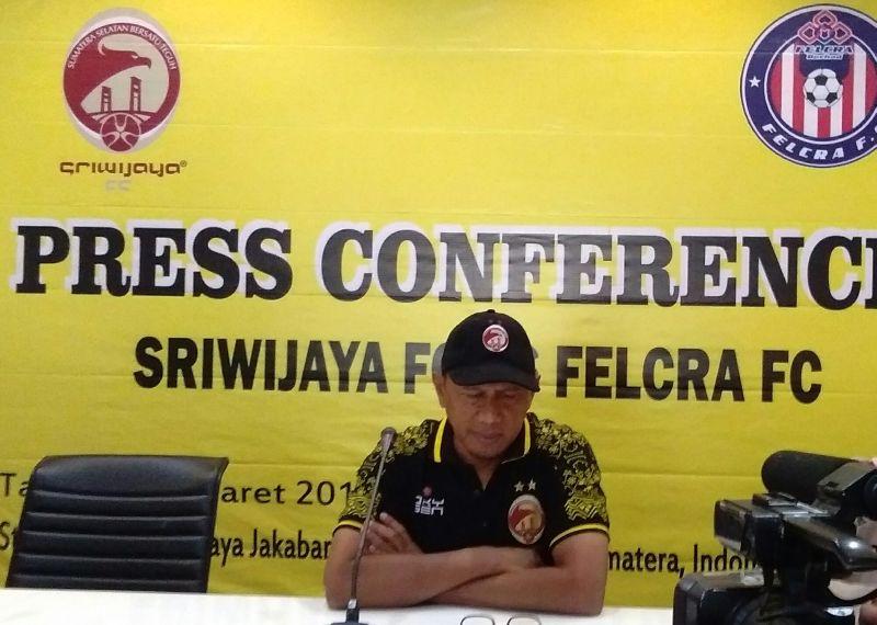 https: img-o.okeinfo.net content 2018 03 15 49 1872963 pelatih-sriwijaya-fc-sebut-felcra-fc-sebagai-tim-kuat-nEqXiQ8PJJ.jpg