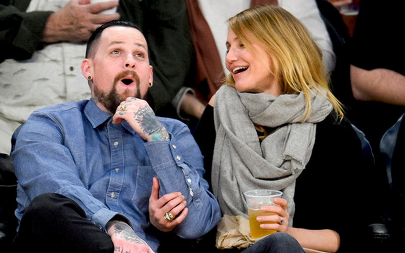 Cameron Diaz dan suaminya, Benji Madden (foto: eonline)