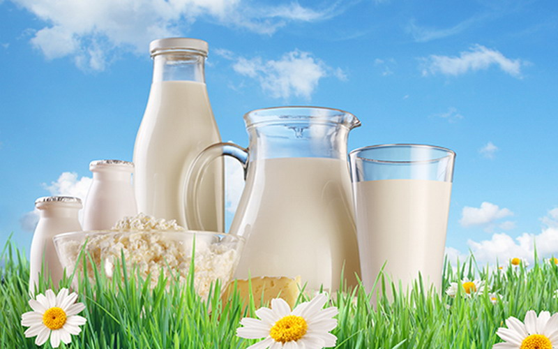 https: img-o.okeinfo.net content 2018 03 28 481 1879238 amankah-minum-air-mineral-langsung-setelah-minum-susu-FdG5RW0CVd.jpg