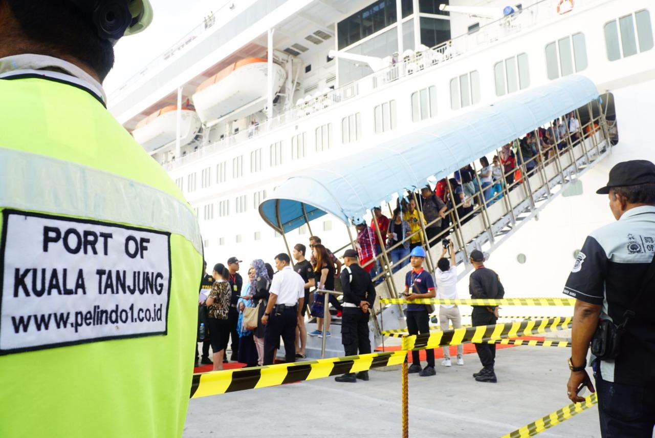 https: img-o.okeinfo.net content 2018 04 05 320 1882484 pembangunan-capai-99-pelabuhan-kuala-tanjung-siap-diuji-coba-mei-2018-EQUF8gCs4Y.jpg