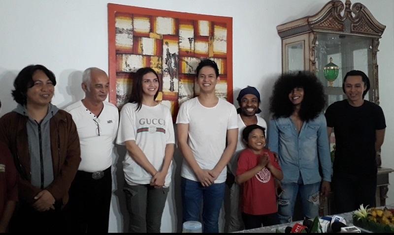 https: img-o.okeinfo.net content 2018 04 09 206 1884171 andi-arsyil-angkat-budaya-indonesia-di-film-jodohku-yang-mana-molulo-2-YEmbn8kLoZ.jpg