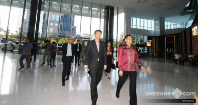https: img-o.okeinfo.net content 2018 04 11 207 1885087 menteri-komunikasi-informasi-dan-kesehatan-singapura-belajar-dari-hary-tanoesoedibjo-L6FAayjxKT.jpg