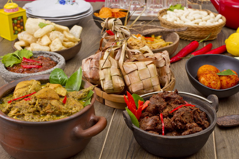 https: img-o.okeinfo.net content 2018 04 12 406 1885683 kuliner-nusantara-diyakini-mampu-tarik-wisman-ke-indonesia-3XtFr84AW6.jpg