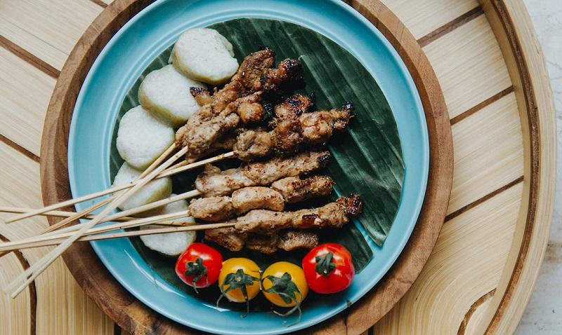 https: img-o.okeinfo.net content 2018 04 14 298 1886629 kemenpar-ubud-bisa-jadi-destinasi-gastronomi-bestandar-unwto-57d8dN9TqB.jpg
