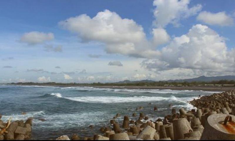 https: img-o.okeinfo.net content 2018 04 16 406 1887101 pemberlakuan-satu-akses-masuk-jumlah-wisatawan-pantai-glagah-meningkat-pFyabrCzQY.JPG