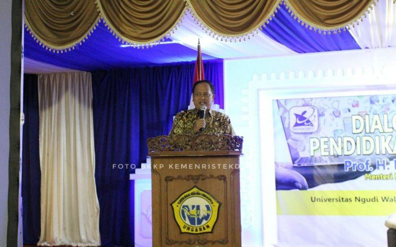 https: img-o.okeinfo.net content 2018 04 16 65 1887407 pelajar-indonesia-di-china-tertipu-beasiswa-menristekdikti-itu-agen-ilegal-o9aFeVw9rM.jpg