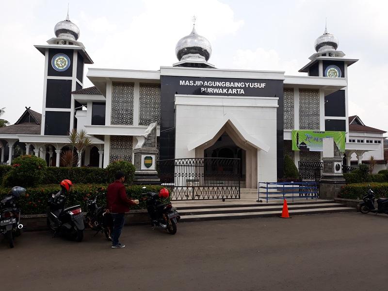 https: img-o.okeinfo.net content 2018 04 17 406 1887819 masjid-agung-baing-yusuf-bukti-penyebaran-islam-di-tanah-purwakarta-7zfAB7vbEj.jpg