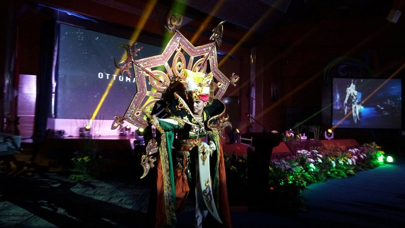 https: img-o.okeinfo.net content 2018 04 18 406 1888462 siapkan-catwalk-3-6-km-jember-fashion-carnaval-ke-17-usung-tema-asialight-i8N3pf4EG3.jpg