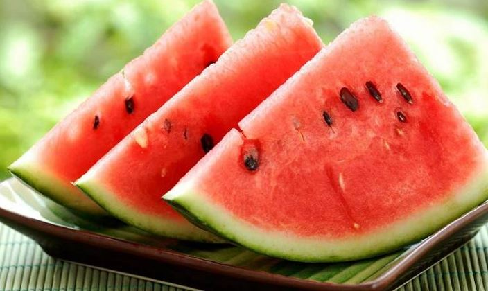 https: img-o.okeinfo.net content 2018 04 18 481 1888332 benarkah-makan-semangka-bisa-obati-impotensi-kwL6X2Dplp.JPG