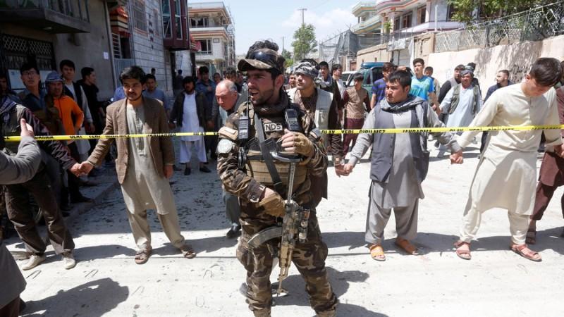 https: img-o.okeinfo.net content 2018 04 23 18 1890184 lebih-dari-50-orang-tewas-dalam-serangan-bom-bunuh-diri-di-pusat-registrasi-kabul-Zf2Mphwezq.jpg