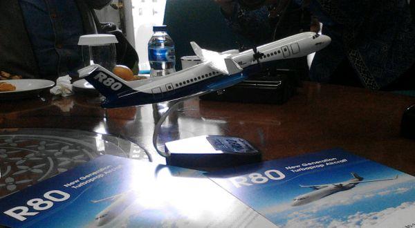 https: img-o.okeinfo.net content 2018 04 23 320 1890240 pesawat-r80-ditargetkan-terbang-2022-lHgSiKYaXH.jpg