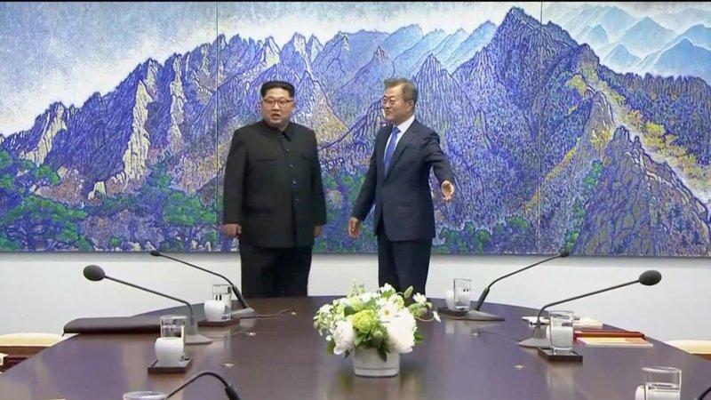 https: img-o.okeinfo.net content 2018 04 27 18 1892092 inilah-para-elit-lingkaran-sembilan-yang-dibawa-kim-jong-un-ke-korea-selatan-wpaSUVeMdx.jpg