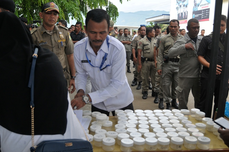 https: img-o.okeinfo.net content 2018 04 30 340 1893036 ratusan-polisi-syariah-di-aceh-dites-urine-apa-hasilnya-0FoFN0rPXP.jpg
