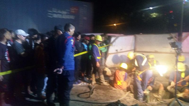 https: img-o.okeinfo.net content 2018 05 02 338 1893404 pekerja-proyek-9-jam-terjebak-di-gorong-gorong-pluit-petugas-masih-evakuasi-fDcNAYGX5j.jpg