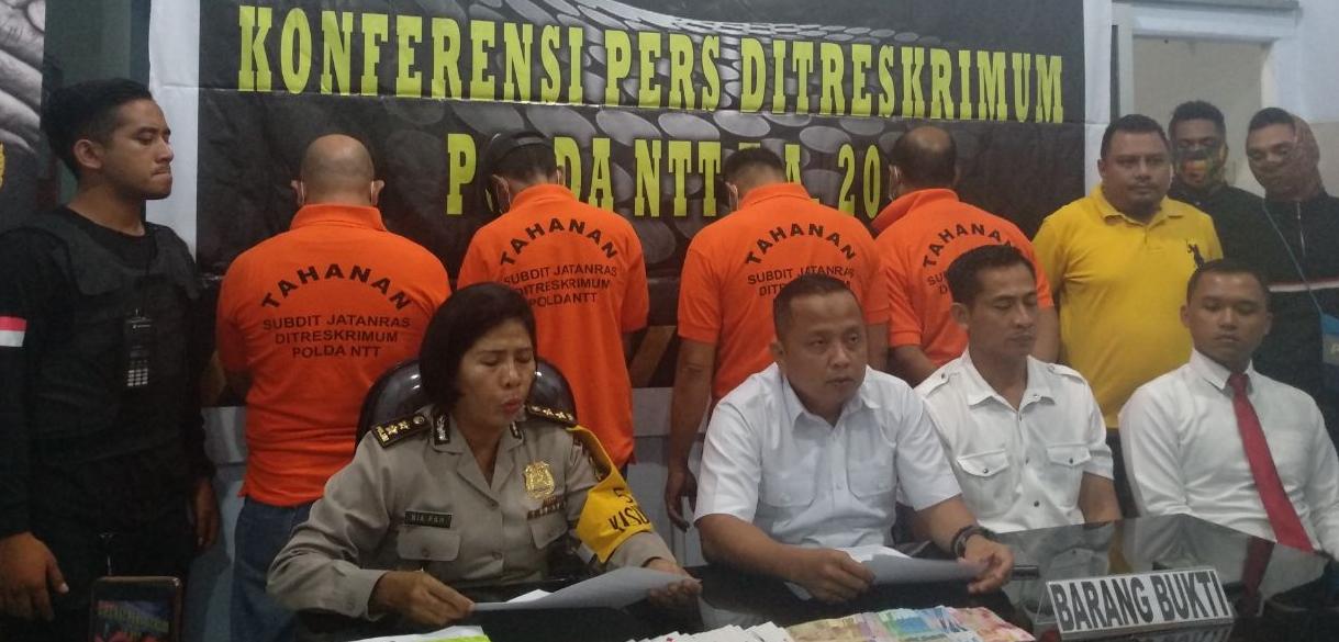 https: img-o.okeinfo.net content 2018 05 02 340 1893668 anggota-dprd-kota-kupang-ditangkap-saat-berjudi-kartu-Hh3pzhCqZf.jpg