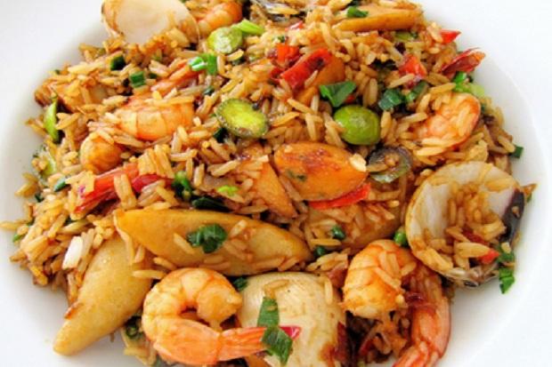 https: img-o.okeinfo.net content 2018 05 07 298 1895206 menu-sarapan-pagi-ini-resep-dan-cara-membuat-nasi-goreng-udang-kepiting-Jci4uKqvkM.jpg