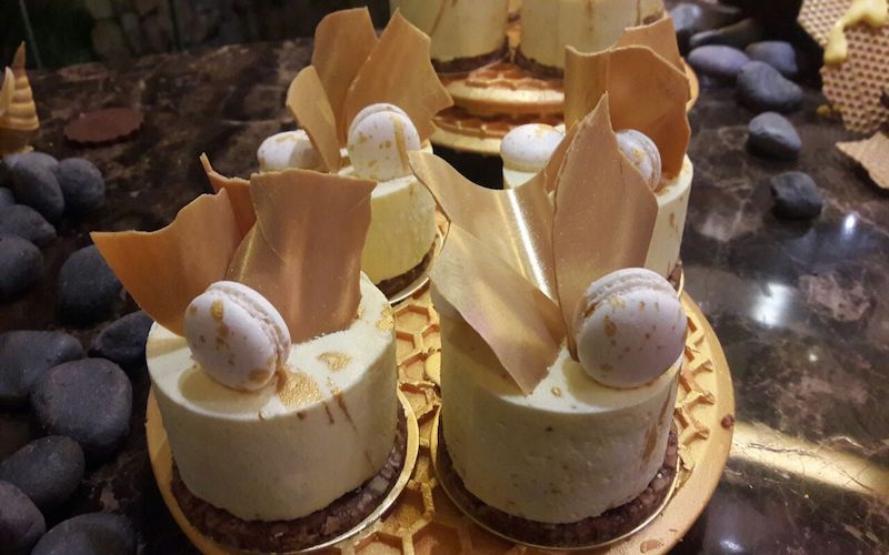 https: img-o.okeinfo.net content 2018 05 10 298 1896706 sambut-ramadan-dengan-cicipi-coklat-emas-kaya-karamel-IjLoDu5LTj.jpg