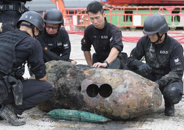 https: img-o.okeinfo.net content 2018 05 11 18 1897132 ribuan-warga-dievakuasi-setelah-bom-pd-ii-ditemukan-di-hong-kong-OogX3T00Jc.jpg