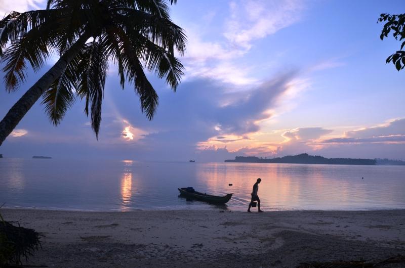 https: img-o.okeinfo.net content 2018 05 11 406 1896857 flores-timur-surganya-pencari-virgin-beach-jl5s9urpQg.jpg