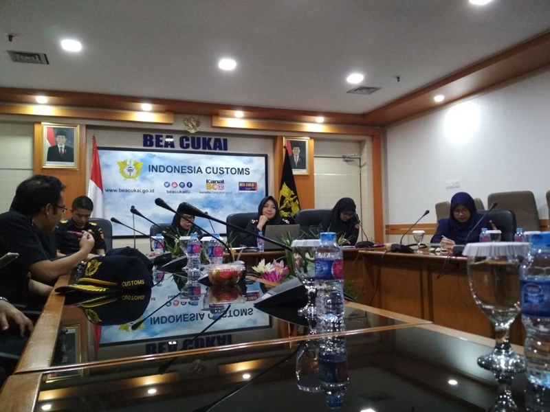 https: img-o.okeinfo.net content 2018 05 15 11 1898447 bea-cukai-paparkan-implementasi-gender-equality-and-diversity-di-the-2nd-wco-working-group-meeting-on-gender-equality-and-diversity-cFmqZvpV5W.jpeg