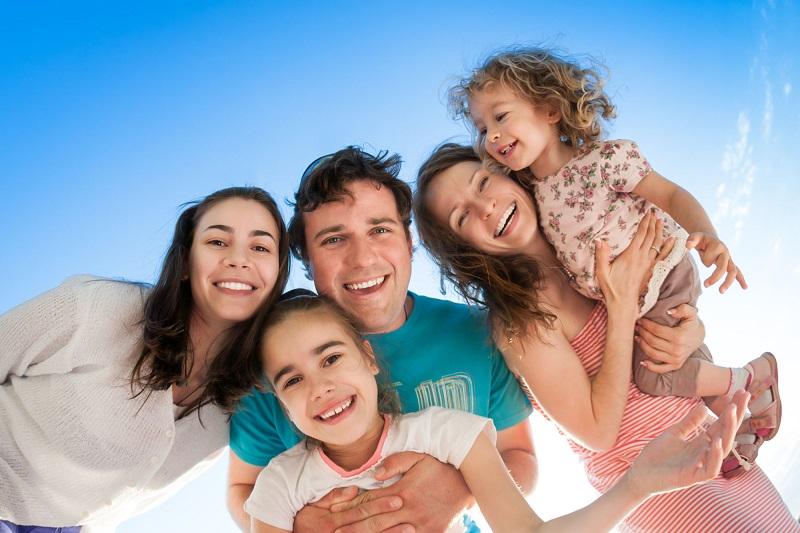 https: img-o.okeinfo.net content 2018 05 15 196 1898659 nikmati-quality-time-bersama-keluarga-dengan-5-kegiatan-ini-dLfQZzCahV.jpg