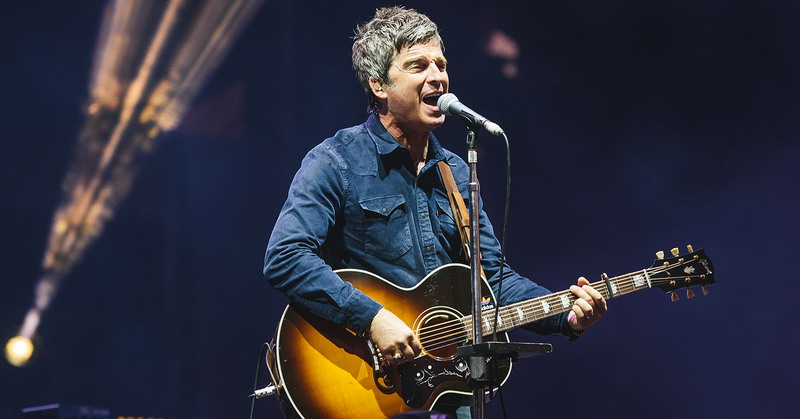 https: img-o.okeinfo.net content 2018 05 16 205 1899146 noel-gallagher-kecewa-dengan-album-baru-arctic-monkeys-JoIMbEQthD.jpg
