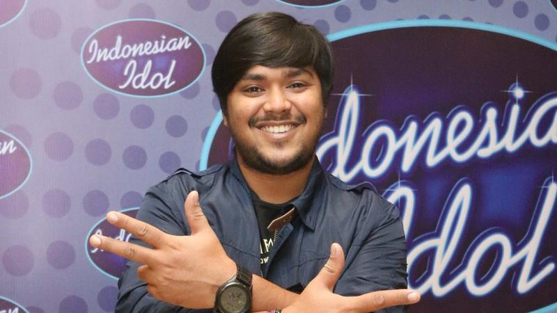 https: img-o.okeinfo.net content 2018 05 16 205 1899216 lulus-dari-indonesian-idol-2018-abdul-idol-coba-tulis-lagu-sendiri-ZKyoKSkOhF.jpg