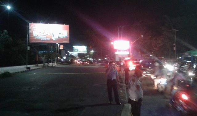 Benda diduga gegerkan warga Manado, polisi siaga (Foto: Subhan Sabu)