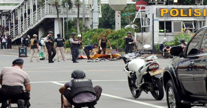 https: img-o.okeinfo.net content 2018 05 16 406 1898971 dampak-teror-bom-sudah-13-negara-keluarkan-travel-advice-ke-indonesia-znwdiKSjZX.jpg