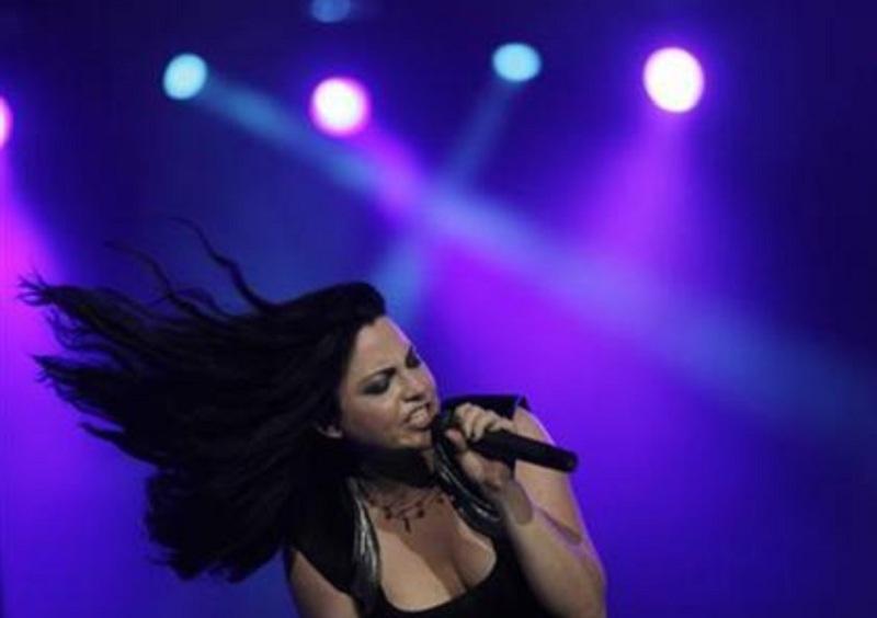 https: img-o.okeinfo.net content 2018 05 17 194 1899445 5-rocker-wanita-terbaik-dunia-salah-satunya-amy-lee-dari-evanescence-aUWm9XnAXb.jpg