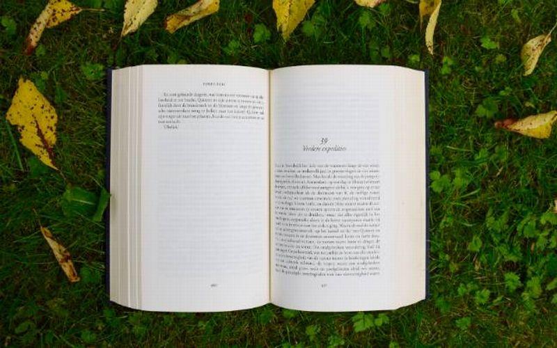 https: img-o.okeinfo.net content 2018 05 17 196 1899464 dari-yang-termahal-hingga-terbesar-ini-5-buku-paling-unik-di-dunia-HM0ESCBSXX.jpg
