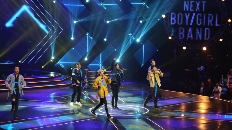 https: img-o.okeinfo.net content 2018 05 17 598 1899660 pecah-buka-the-next-boy-girl-band-team-boys-bikin-panggung-bergemuruh-N1Aznim6V7.jpg