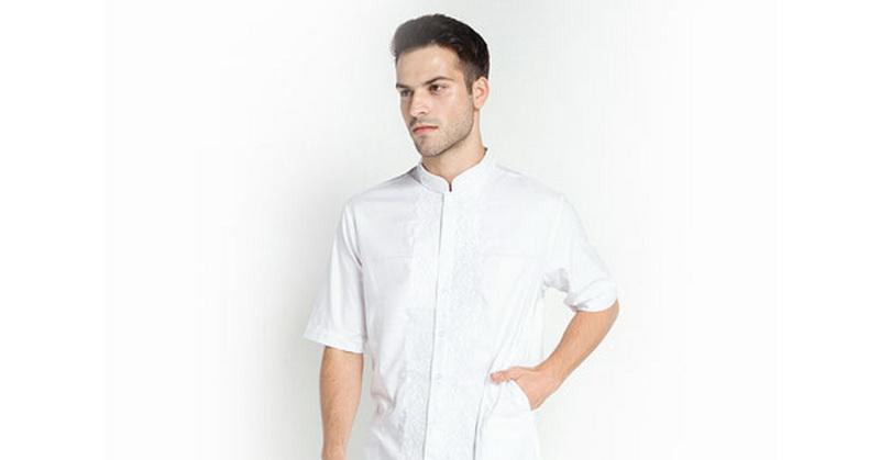 https: img-o.okeinfo.net content 2018 05 25 194 1902906 baju-koko-stylish-untuk-hari-istimewa-intip-yuk-8eYEuImXcH.jpg