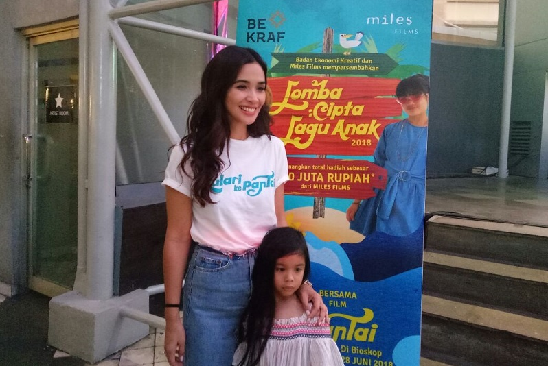 https: img-o.okeinfo.net content 2018 05 25 206 1902459 marsha-timothy-senang-film-anak-indonesia-mulai-bergeliat-2uq5k47afy.jpg