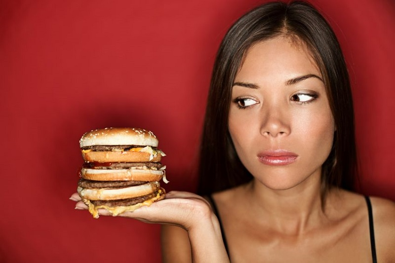 https: img-o.okeinfo.net content 2018 05 25 481 1902589 meski-berat-ini-5-cara-kurangi-kebiasaan-makan-junk-food-yang-bisa-turunkan-kesuburan-hpELjou5qe.jpg