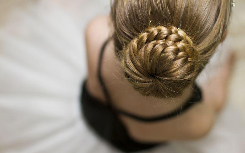 https: img-o.okeinfo.net content 2018 05 26 194 1903141 tampil-semakin-cantik-dengan-hair-bun-cocok-untuk-acara-buka-puasa-SCuoWfnSnU.jpg
