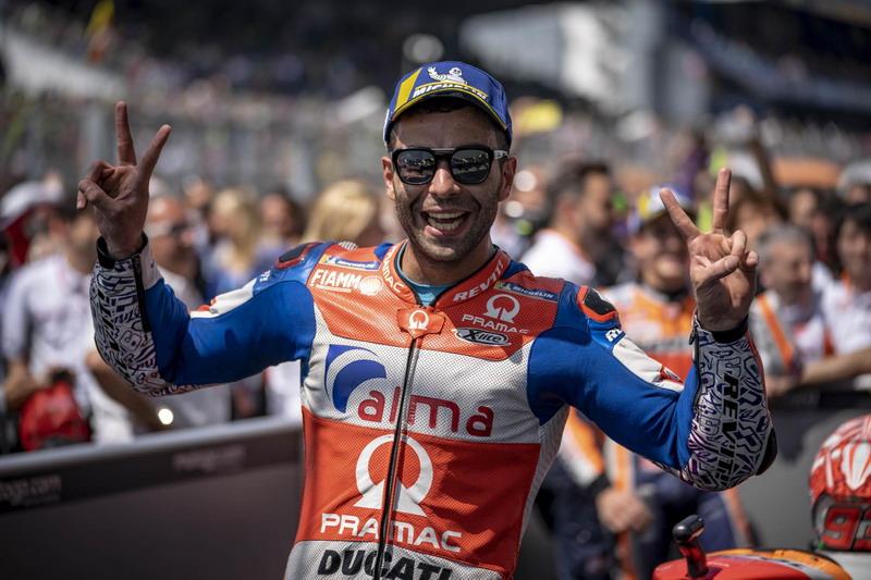https: img-o.okeinfo.net content 2018 05 27 38 1903349 petrucci-akui-sangat-mencintai-dunia-balap-motor-36iismi0ah.jpg