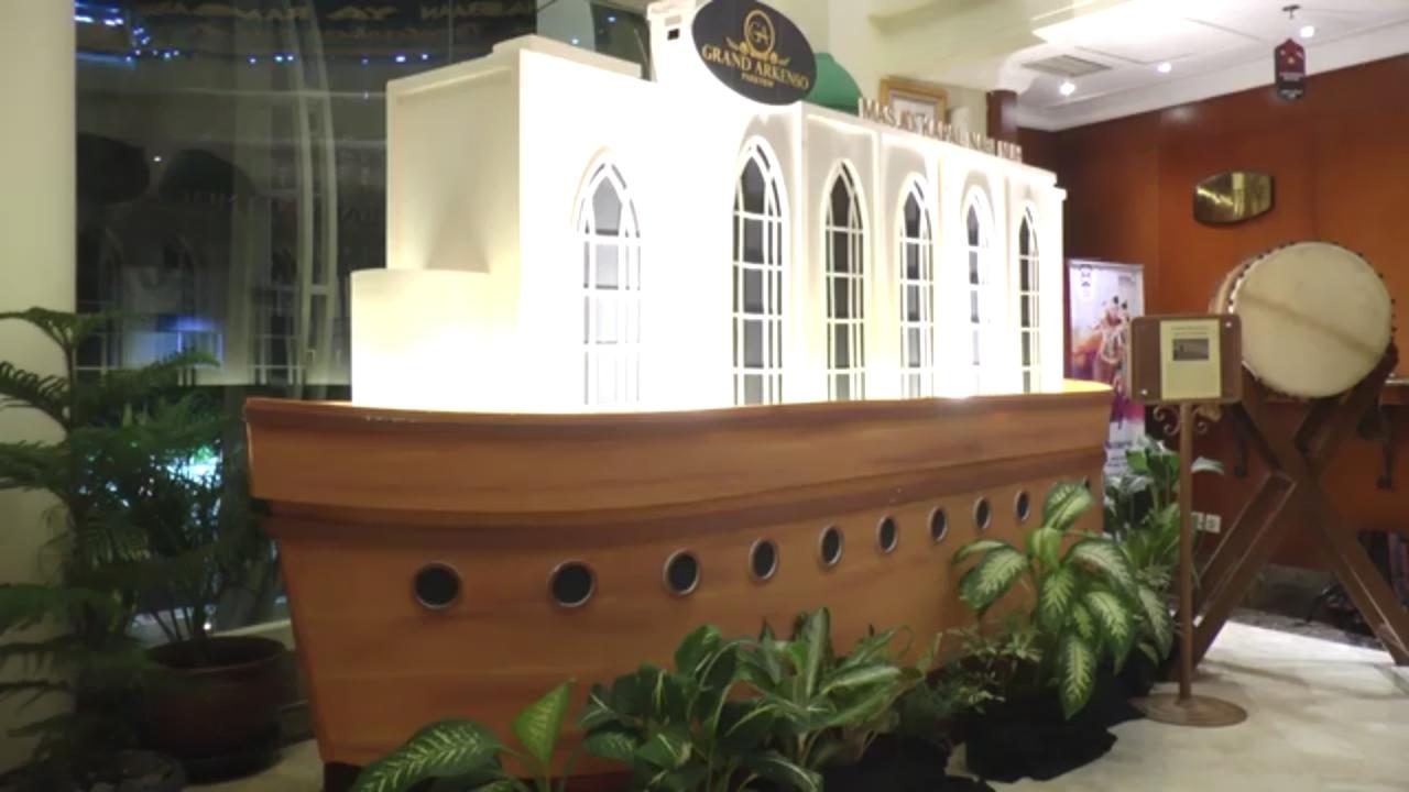 https: img-o.okeinfo.net content 2018 05 27 406 1903352 megahnya-masjid-kapal-nabi-nuh-sambut-ramadan-di-hotel-lBazqQsflK.jpg