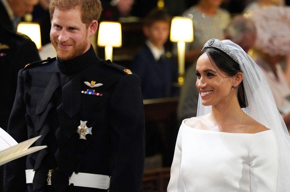 https: img-o.okeinfo.net content 2018 05 28 33 1903642 kenapa-tamu-undangan-tertawa-di-upacara-pernikahan-pangeran-harry-meghan-ini-penyebabnya-IzKO9mp5Eb.jpg