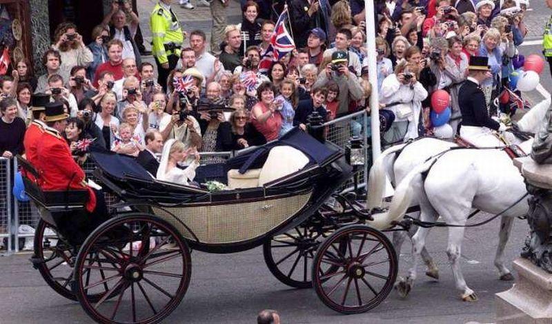 https: img-o.okeinfo.net content 2018 05 30 196 1904630 soal-jumlah-penonton-royal-wedding-di-inggris-siapa-pasangan-juaranya-DVy1Q6oeIX.jpg