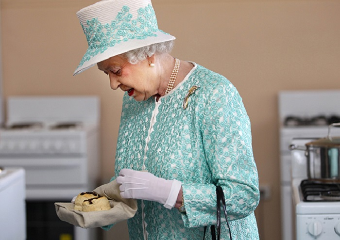 https: img-o.okeinfo.net content 2018 06 07 298 1907858 lowongan-koki-pastry-istana-dibuka-ini-syarat-ajaib-dari-ratu-elizabeth-ii-AzrvI3BmZT.jpg