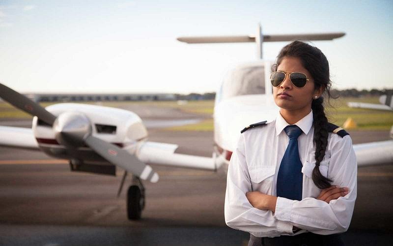 https: img-o.okeinfo.net content 2018 06 11 406 1909254 maskapai-penerbangan-wajib-perbanyak-pilot-wanita-ini-alasannya-Z0SZ86HePi.jpg