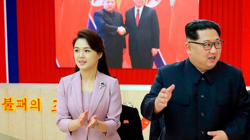 https: img-o.okeinfo.net content 2018 06 12 194 1909558 5-gaya-tampilan-istri-kim-jong-un-yang-sederhana-tapi-super-elegan-CDsIvon7AV.jpg