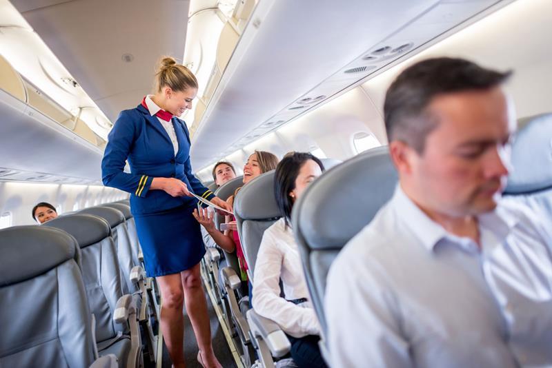 https: img-o.okeinfo.net content 2018 06 12 406 1909796 tips-dari-awak-kabin-saat-bepergian-dengan-pesawat-udara-F9jiXYGF1O.jpg