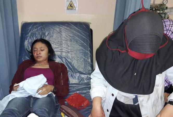 https: img-o.okeinfo.net content 2018 06 13 338 1910241 dua-pemudik-wanita-masuk-rumah-sakit-dipepet-pencopet-di-bekasi-6r8Ta3u59Q.jpg