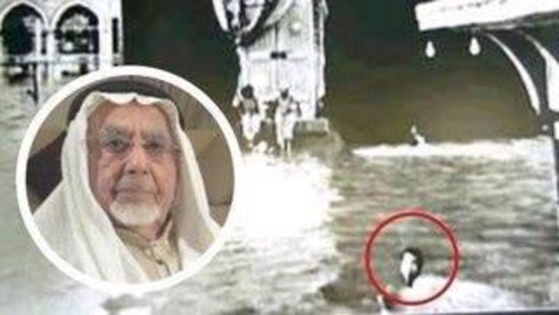 https: img-o.okeinfo.net content 2018 06 15 196 1910702 pria-ini-sempat-tertangkap-kamera-pernah-tawaf-sambil-berenang-di-mekkah-giD2icBMbZ.jpg