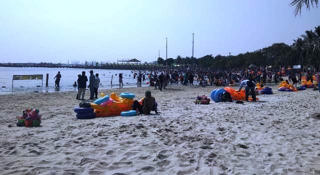 https: img-o.okeinfo.net content 2018 06 17 338 1911115 ada-buaya-di-dermaga-pulau-dayung-ancol-masih-jadi-primadona-liburan-Mv9hPgO7B5.jpg