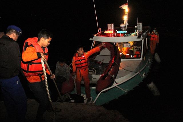 https: img-o.okeinfo.net content 2018 06 19 340 1911485 korban-tewas-kapal-tenggelam-di-danau-toba-jadi-2-orang-AhG36ObD2i.jpg