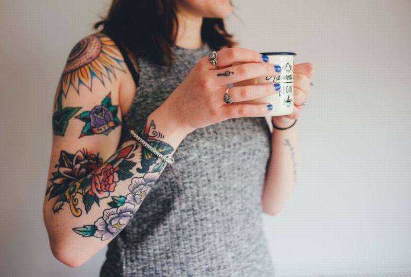 https: img-o.okeinfo.net content 2018 06 21 196 1912423 4-bahaya-yang-mengintai-pengguna-tato-ketahui-dulu-risikonya-sebelum-membuat-Efs1SOF6tm.jpg