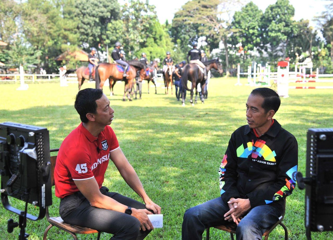 https: img-o.okeinfo.net content 2018 06 25 43 1913954 presiden-jokowi-berikan-dukungan-kepada-para-atlet-yang-berlaga-di-asian-games-2018-k8W3Ca6lMx.jpg